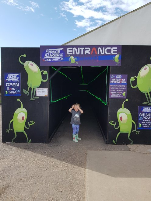 Pretending to be a one-eyed alien at the Alien Rescue... !!