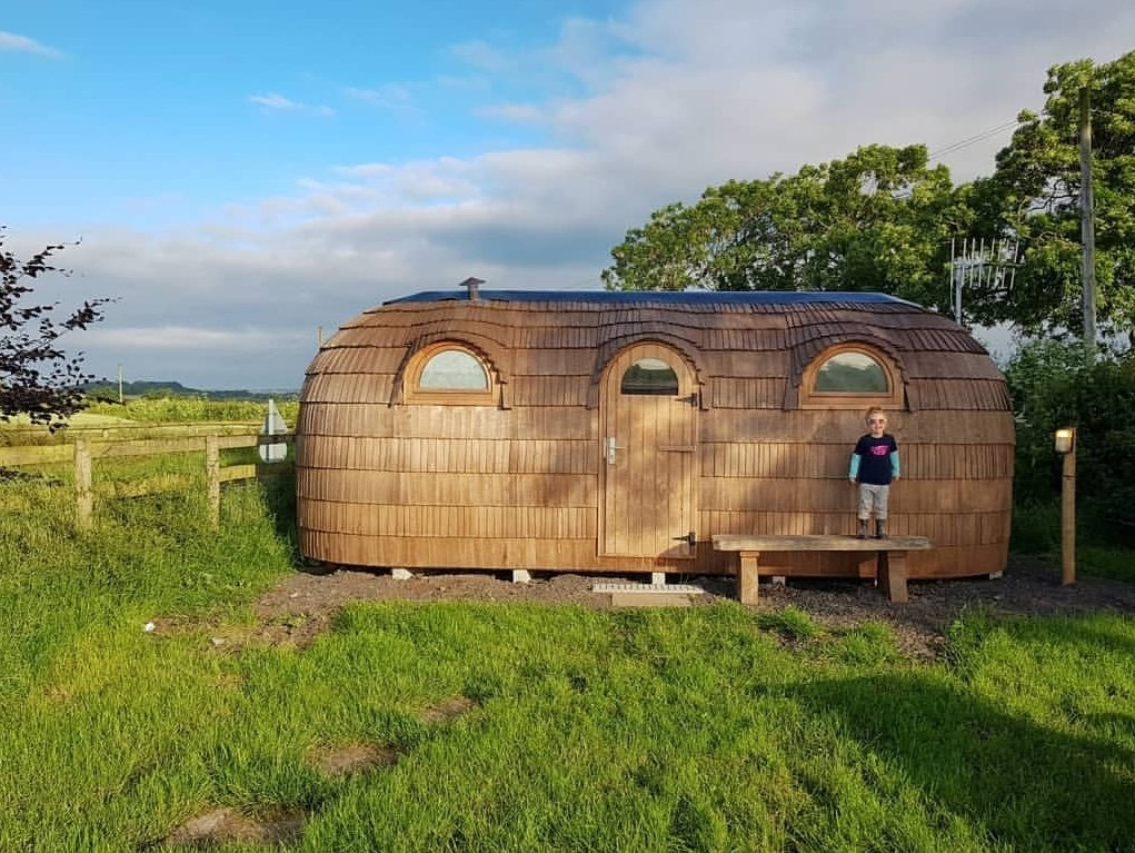 Wooden igloo camping - Gloucester