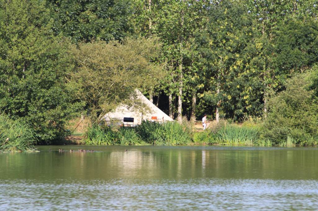Lakeside glamping at the beautiful Brook Meadow