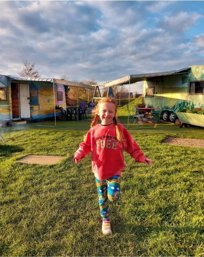 A beautiful glamping escape in Leicestershire with Barlefield Glamping
