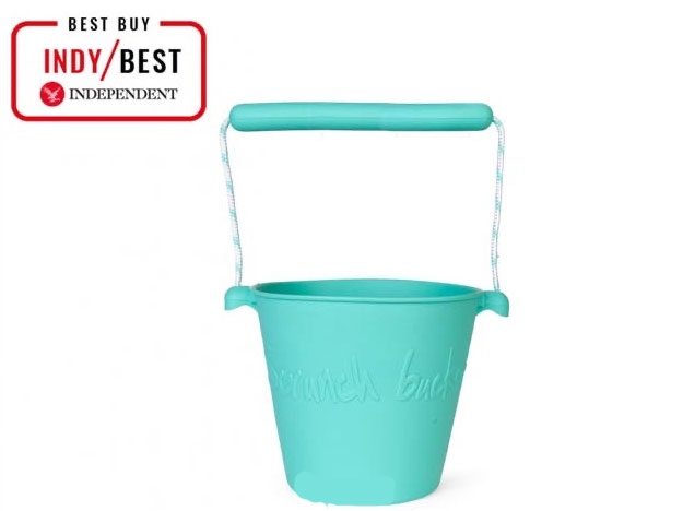 The Scrunch Buckets are a great way to enjoy the summer with the kids