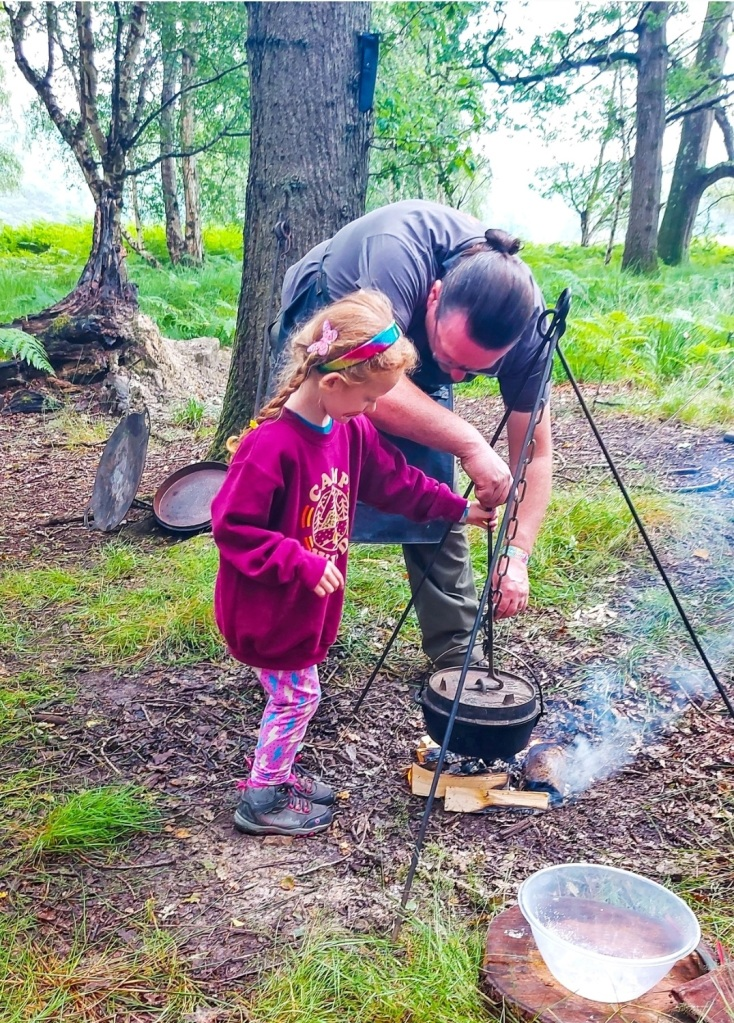 Cooking breakfast on the campfire with Scott from Wild Classroom