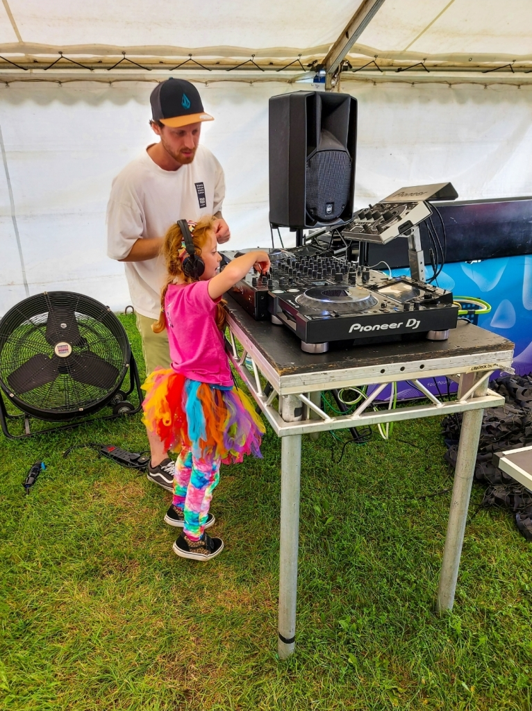 Learning new skills in the DJ workshops thanks the the Four Four DJ Academy