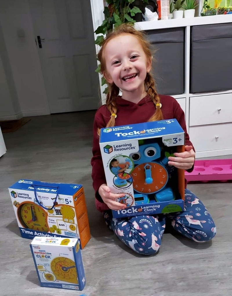 Learning to tell the time thanks to Learning Resources UK (gifted)